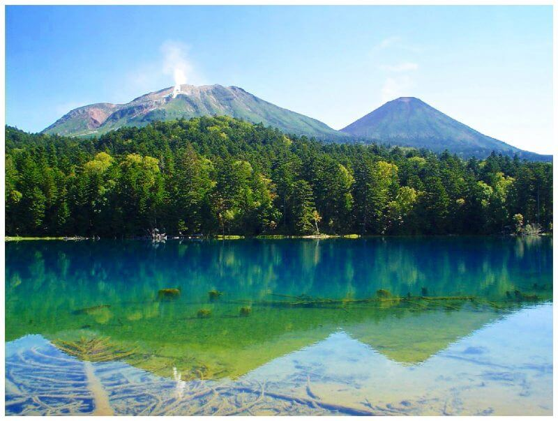 Hike Mt. Me-akan from Nonaka Onsen to Lake Onneto