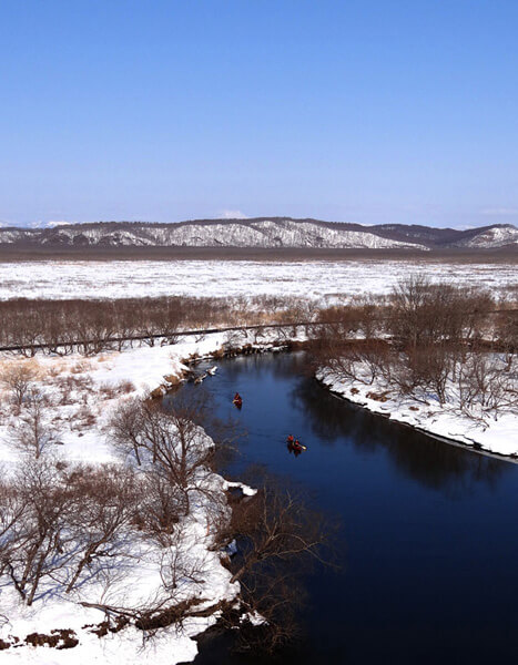 Discover a Wintry Kushiro Wetland on a Canoe and Snowshoe Tour
