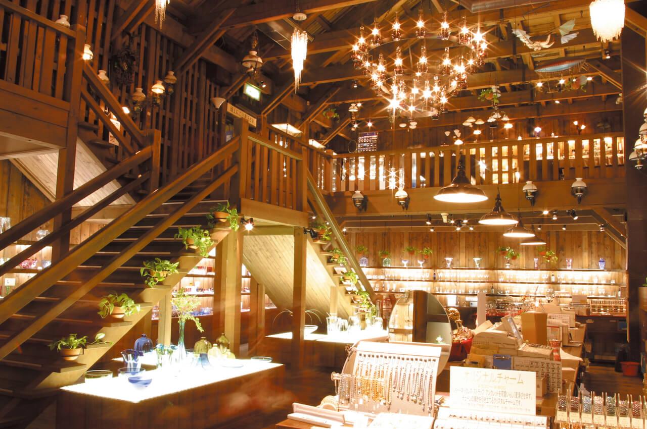 Beautiful Kitaichi Glass Art and a Chic Café in Otaru