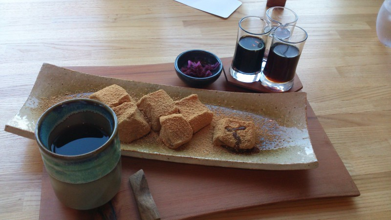 Delicious Tea, Sweets and Lunch at a Relaxing Japanese-Style Cafe