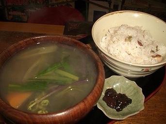 Folk Art Cafe Poronno: Savoring Exquisite Ainu Cuisine