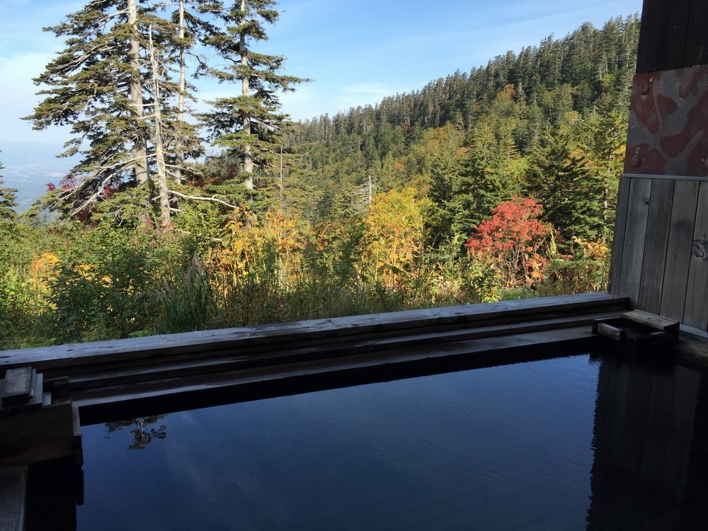 An Open-Air Bath Under the Starry Skies with Free-Flowing Natural Spring Water