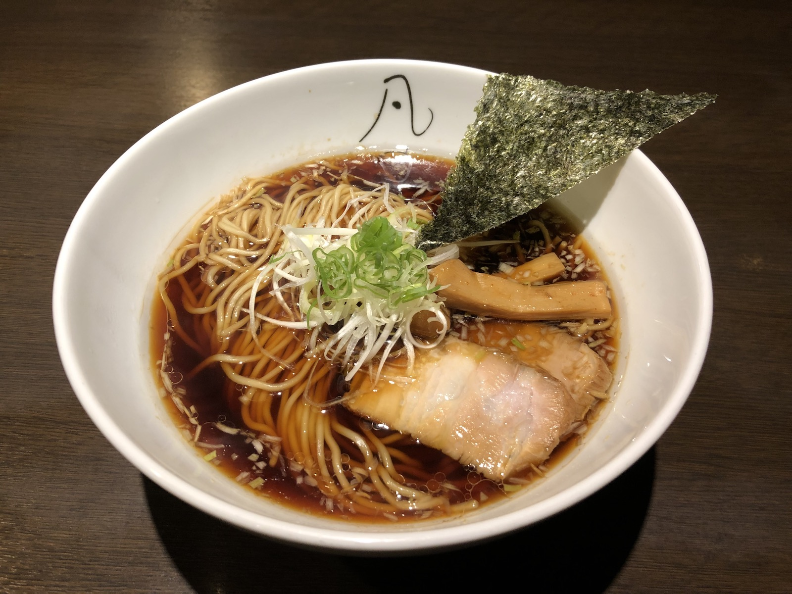 The thin straight noodles go well with the refreshing chicken stock-based broth at Bon-no-kaze Sugimura Chuukasoba.